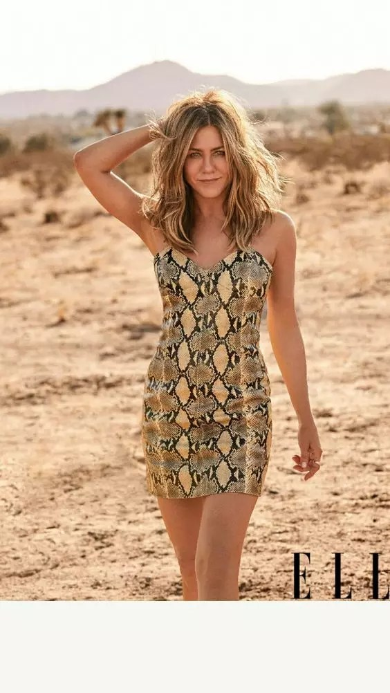 jennifer aniston height