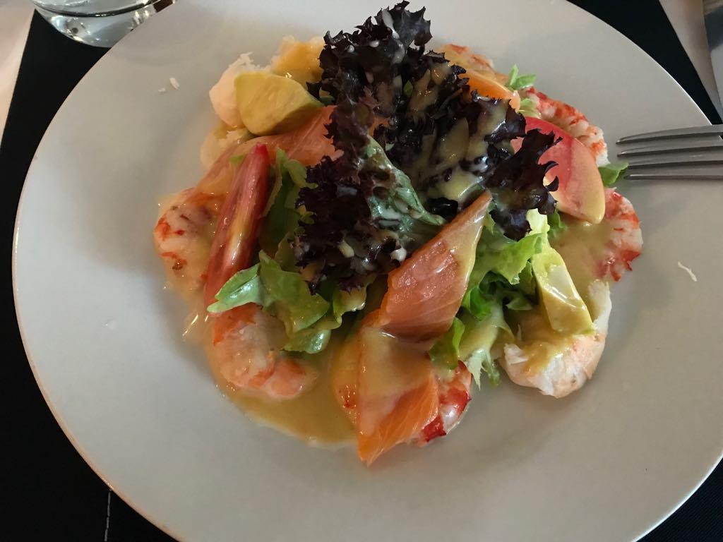 À table avec Aïda B : L'omelette Norvégienne et la salade du Grand Large, serialfoodie, abidjan, cote d'ivoire, review restaurant