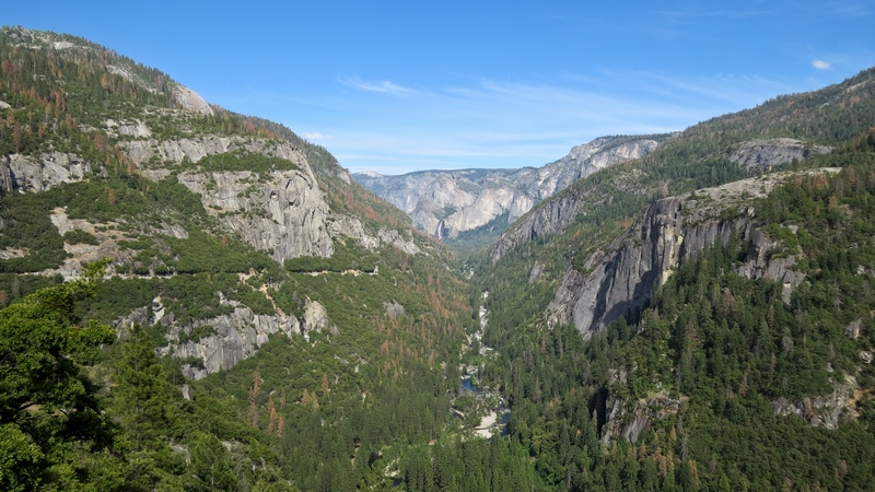 Serial-Travelers-Yosemite-valley-tunnel-view(1)