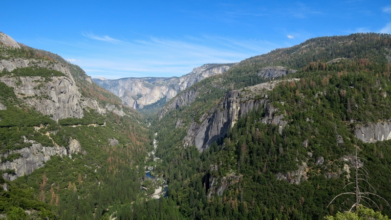 Serial-Travelers-Yosemite-valley-tunnel-view(2)