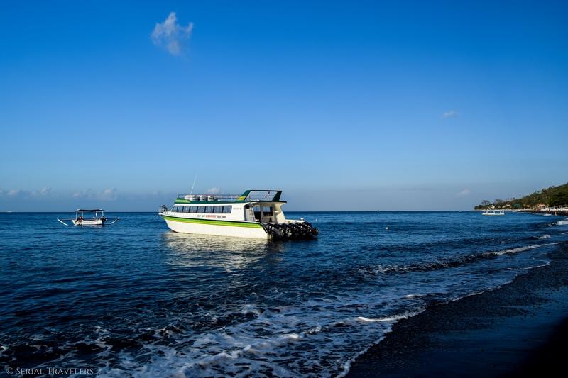 serial-travelers-bali-amed-speed-boat