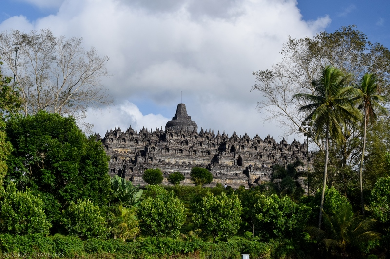 serial-travelers-indonesie-borobudur-overview