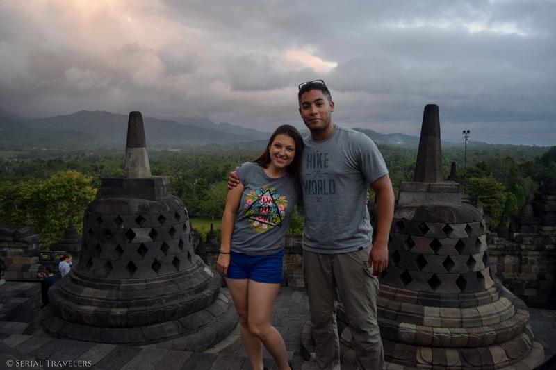 serial-travelers-indonesie-borobudur-stupas(3)
