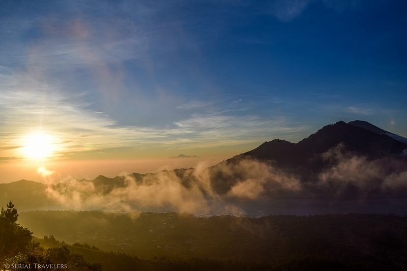 Lever de soleil sur le Mont Batur