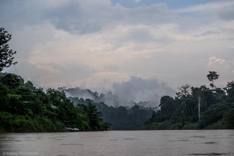 serial-travelers-malaisie-taman-negara-tembeling-river-boat-cruise(6)-fog