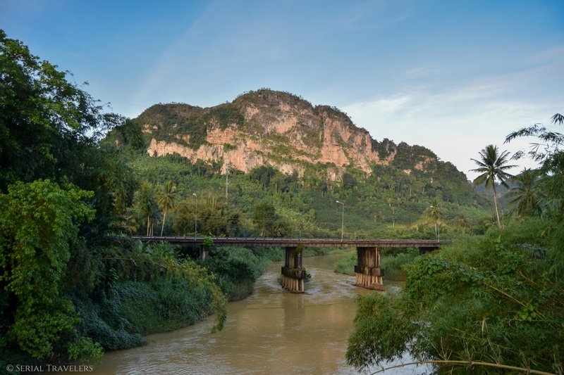 serial-travelers-thailand-phang-nga-main-road