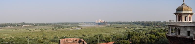 serial-travelers-india-agra-fort-panorama-view-taj-mahal