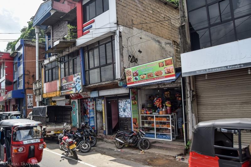 serial-travelers-sri-lanka-trajet-bus-local-ella-negombo-bus-city