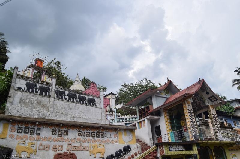 serial-travelers-sri-lanka-trajet-bus-local-ella-negombo-bus-temple