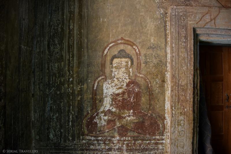 serial-travelers-myanmar-bagan-Htilominio-temple3