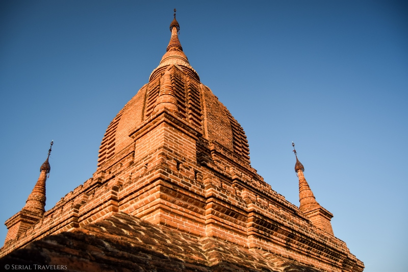 serial-travelers-myanmar-bagan-pagoda761-sunset6