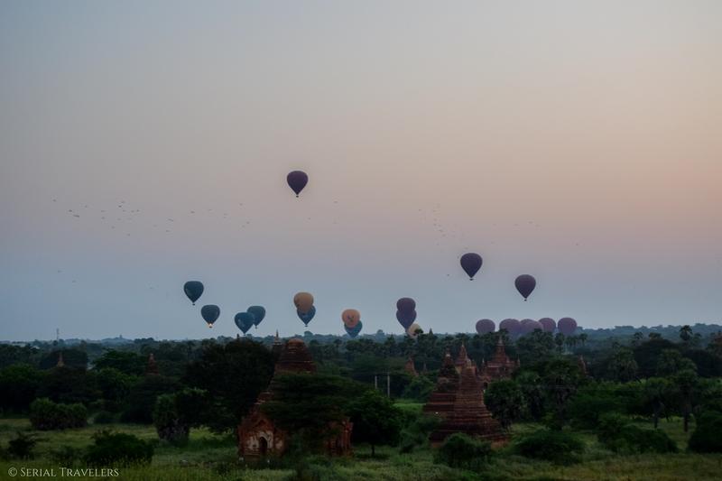 serial-travelers-myanmar-bagan-sunrise-ballons1