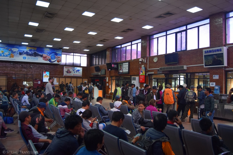 serial-travelers-nepal-katmandou-airport