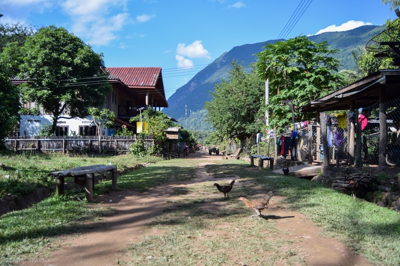 serial-travelers-laos-nong-khiaw-muang-ngoi-bateau-kayak-2