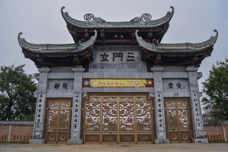 serial-travelers-vietnam-ninh-binh-temple-bai-dinh