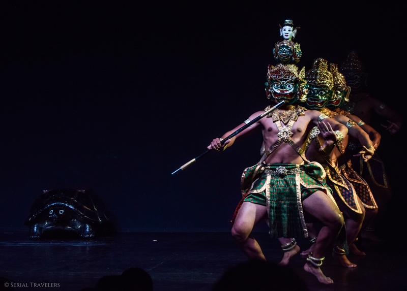 serial-travelers-cambodge-phnom-penh-apsara-dance-spectacle-musee-national-2