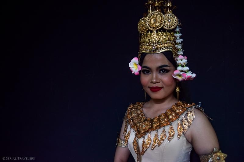 serial-travelers-cambodge-phnom-penh-portrait-danseuse-apsara-12