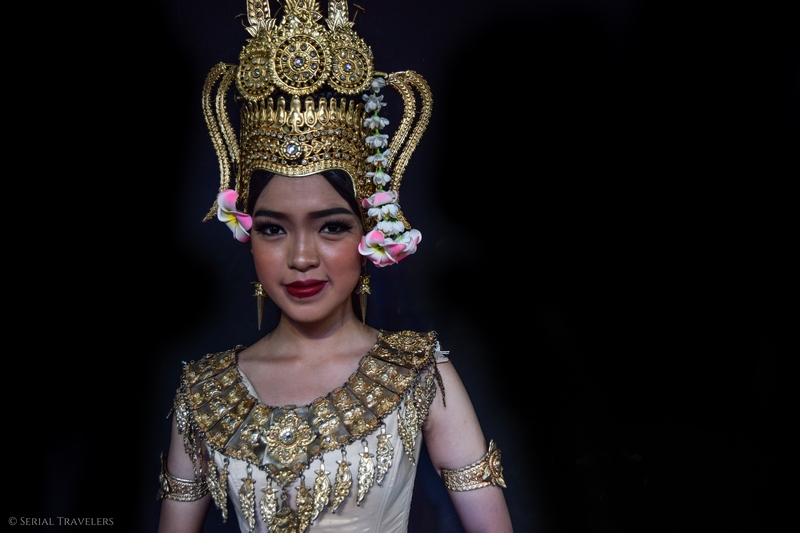 serial-travelers-cambodge-phnom-penh-portrait-danseuse-apsara-9