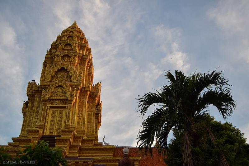 serial-travelers-cambodia-cambodge-phnom-penh-que-faire-temple-wat-ounalom