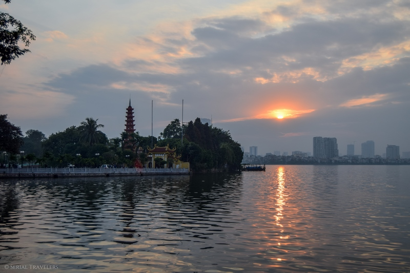serial-travelers-vietnam-hanoi-ho-tay-lake-sunsetview