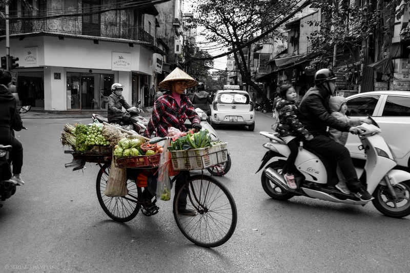 serial-travelers-vietnam-hanoi-old-city4-bicycle