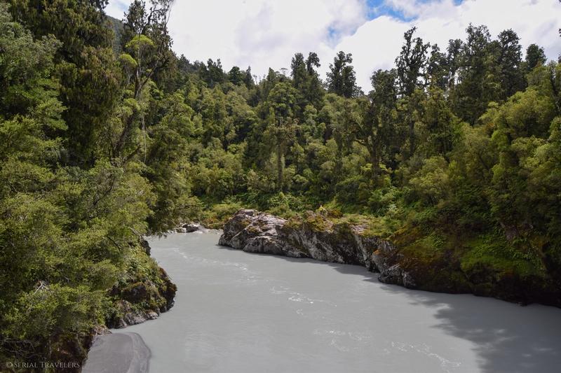 serial-travelers-nouvelle-zelande-roadrip-campervan-gorges-hokitika-foret-2