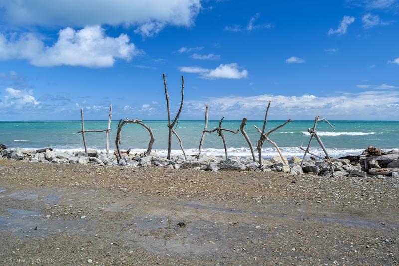 serial-travelers-nouvelle-zelande-roadrip-campervan-hokitika-plage