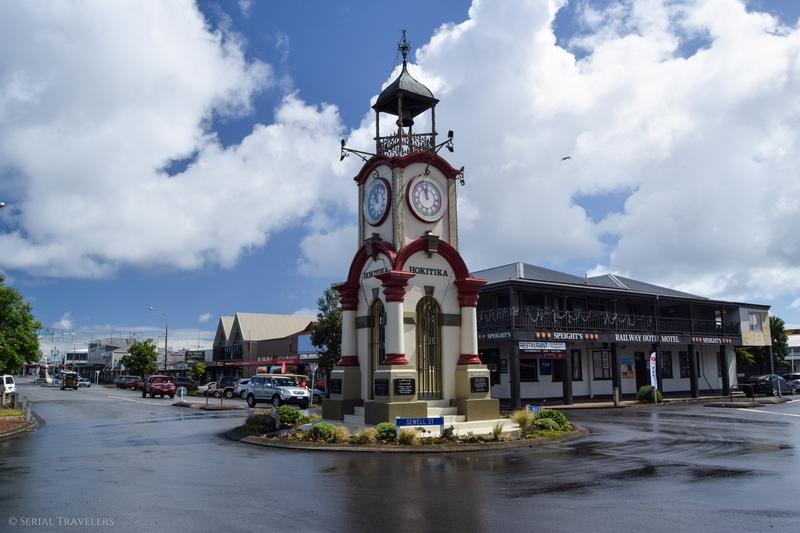 serial-travelers-nouvelle-zelande-roadrip-campervan-hokitika-ville