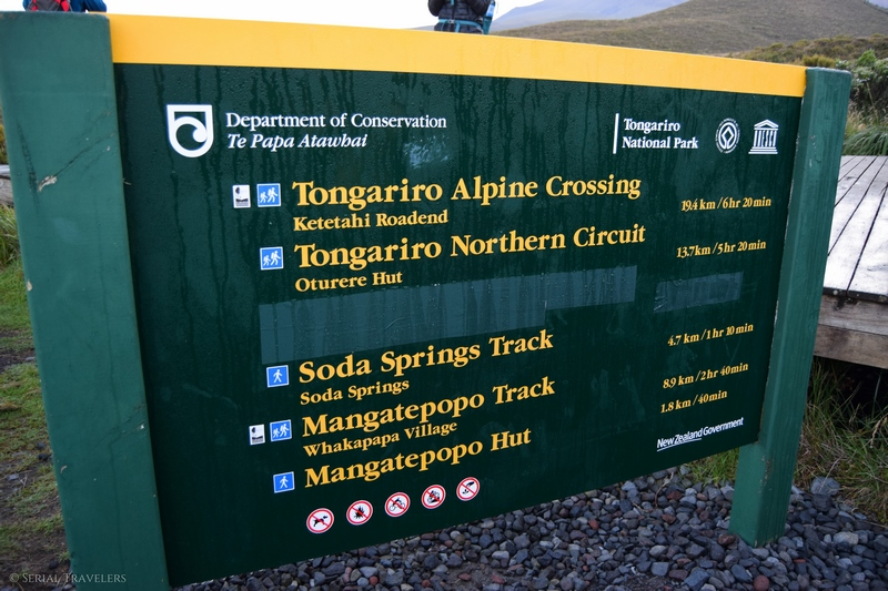 serial-travelers-tongariro-alpine-crossing-mangatepopo-parking