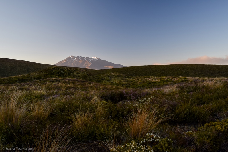 serial-travelers-tongariro-alpine-crossing-mangatepopo-ruapehu-overview