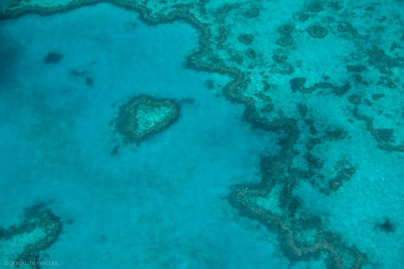 serial-travelers-australie-survol-great-barrier-reef20-heart-reef