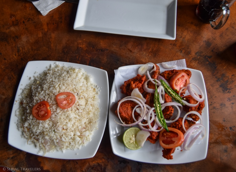serial-travelers-sri-lanka-nuwara-eliya-fried-chicken-rice-food-sri-lankan-local
