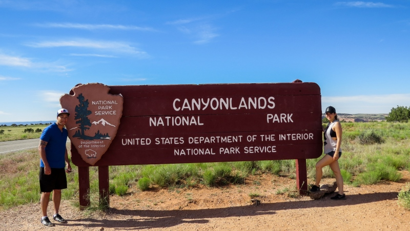 serial-travelers-ouest-americain-canyonlands-island-in-the-sky-entrance