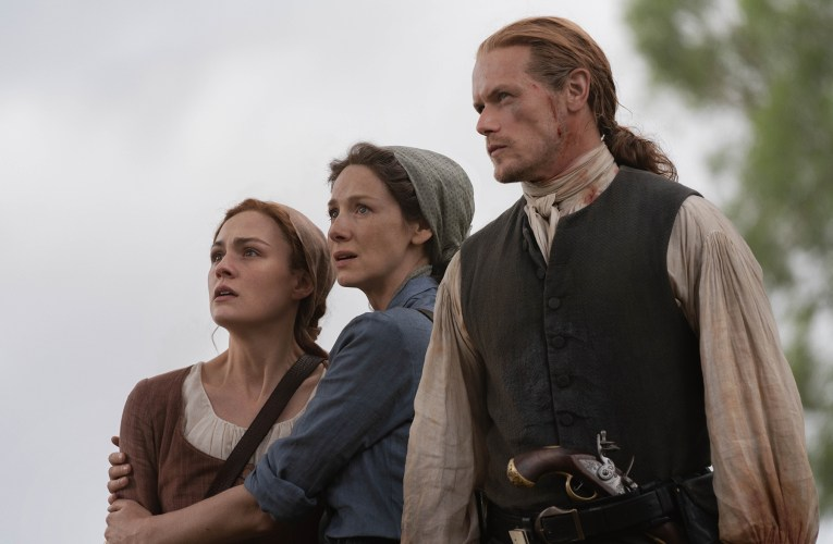 "Outlander 5×07 Review: ""La Balada de Roger Mac"""
