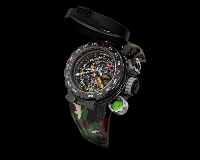 """Real instrument of survival, the """"RM 25-01"""" imagined by Richard Mile was made in collaboration with Sylvester Stallone"""