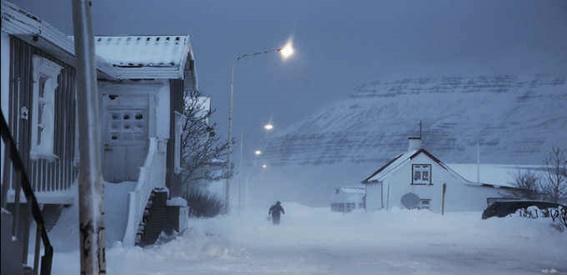 A história de Trapped / Ófærð acontece no inverno islandês, na vila de Seyðisfjörður.