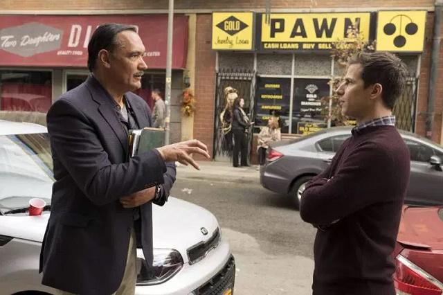 vontade para aparecer mais, Jimmy. Brooklyn Nine-Nine --- Mr. Santiago.