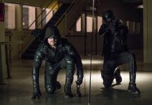 "Arrow -- ""What We Leave Behind"" -- Image AR509b_0153b.jpg -- Pictured (L-R): Stephen Amell as Oliver Queen/The Green Arrow and David Ramsey as Diggle/Spartan -- Photo: Jack Rowand/The CW -- © 2016 The CW Network, LLC. All Rights Reserved."