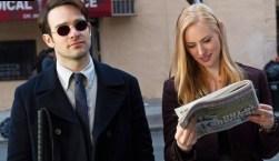 Charlie Cox es Matt Murdock y Deborah Ann Woll es Karen Page.