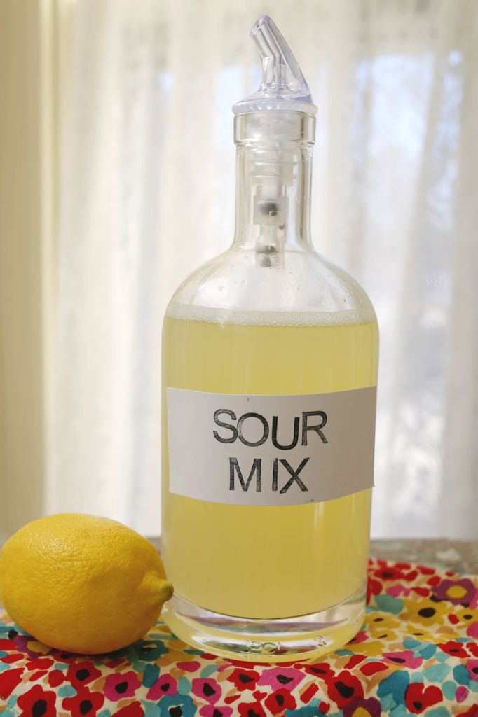 DIY Sour Mix on Weekend Finds // Serious Crust by Annie Fassler