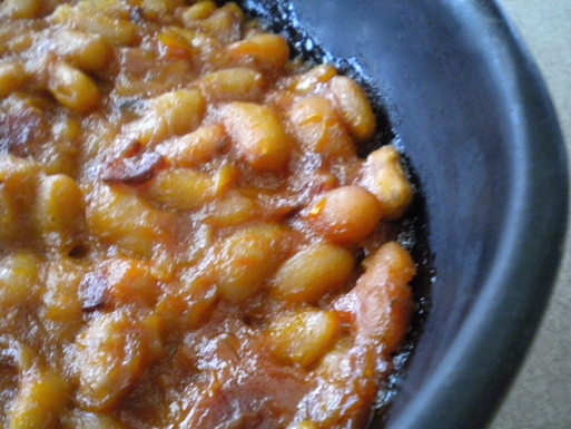 Rhubarb Baked Beans on Weekend Finds // Serious Crust by Annie Fassler