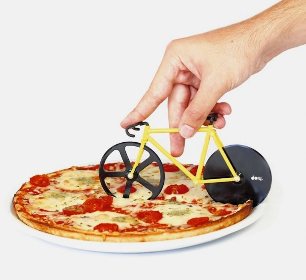 Fixie Bike Pizza Cutter // Weekend Finds on Serious Crust