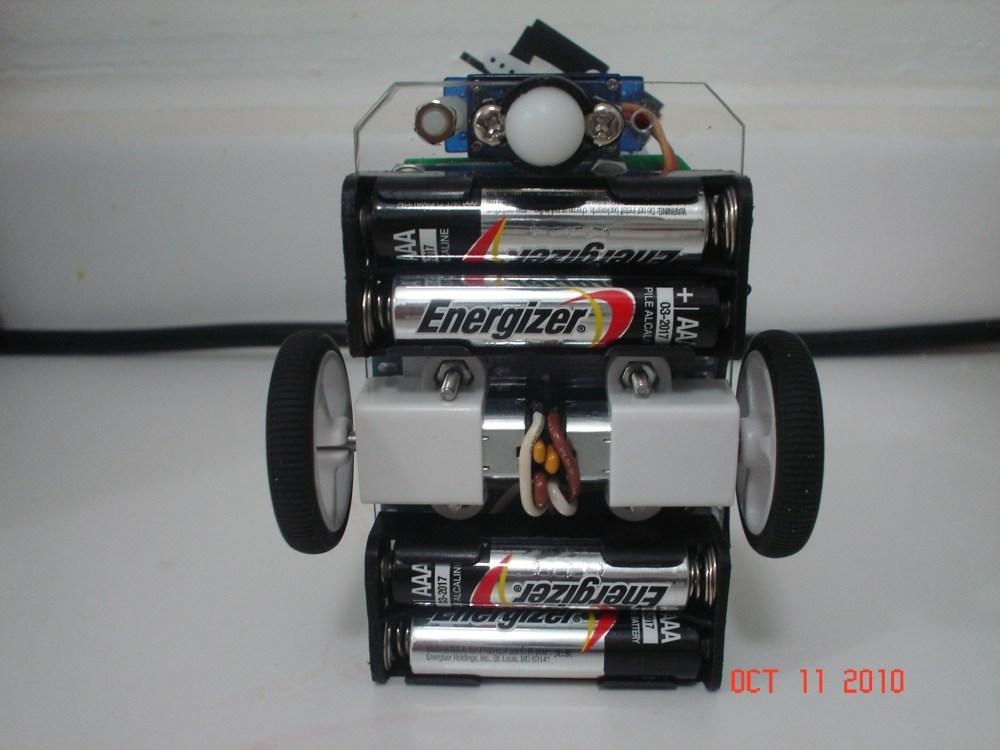 Compact - a Small Arduino Robot (4/6)