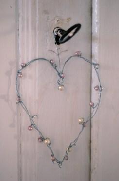 hjärta pärlor ståltråd