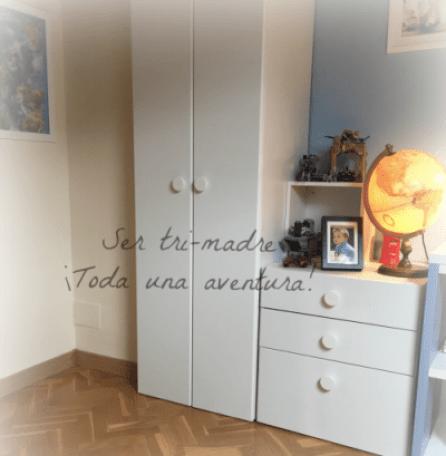 Espacio de almacenaje en una habitación juvenil