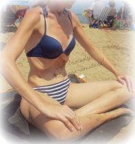 En la playa, haciendo abdominales hipopresivos este verno