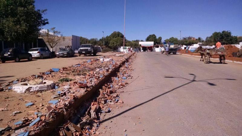 Prefeitura de Serra do Ramalho da Início às Ações em Paisagismo, Limpeza e Infraestrutura
