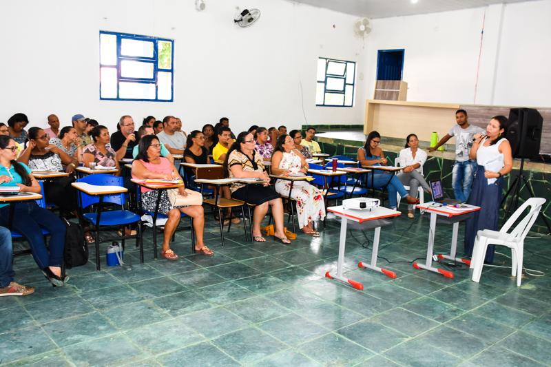 Reunião com Diretores(as) das Escolas de Serra do Ramalho