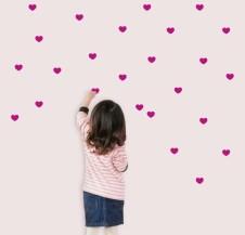 88 mini corazones fucsia vinilo