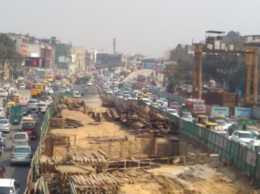 Congestion due to construction of metro line